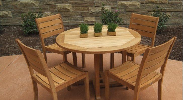 cat-kayu-untuk-furniture-tahan-air