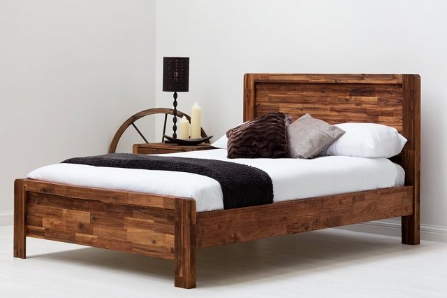 Tiga Langkah Mudah Mengecat Ulang Tempat Tidur Kayu