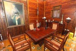 Desain Rumah Irfan Hakim