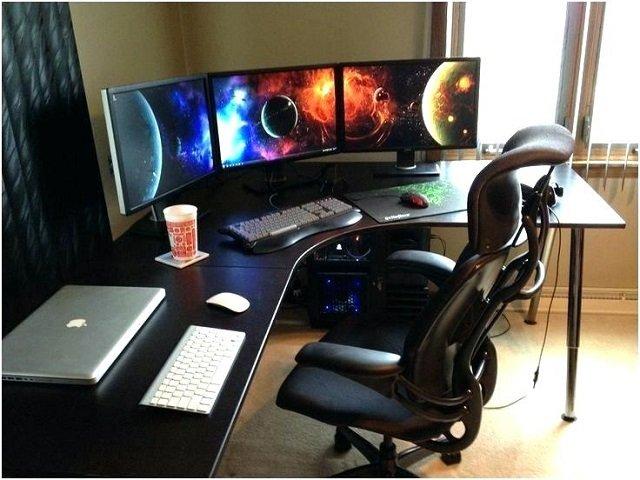 Finishing Meja Komputer Besi untuk Gamer